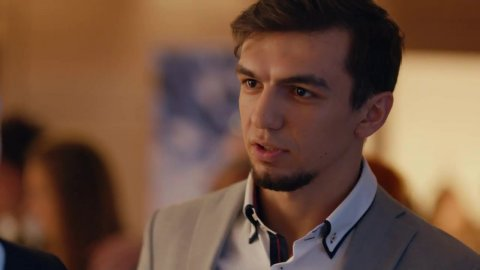 Как я стал русским 1 сезон 16 серия, кадр 7