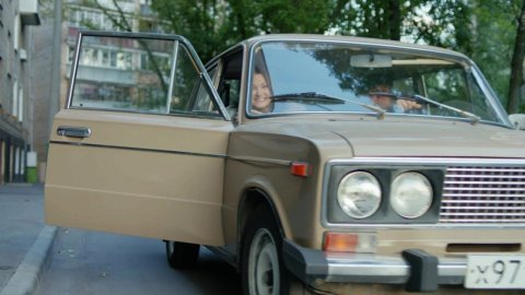 Как я стал русским 1 сезон 6 серия, кадр 4