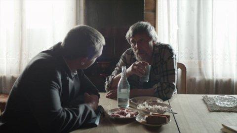 Карина Красная 1 сезон 8 серия, кадр 6
