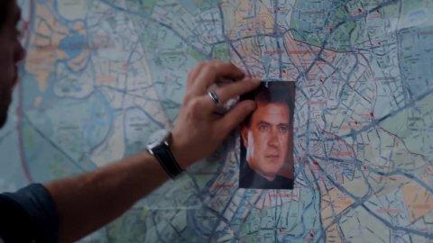 Крыша мира 1 сезон 4 серия, кадр 14