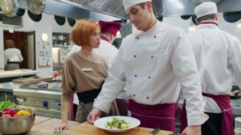 Кухня 1 сезон 7 серия, кадр 2