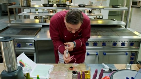 Кухня 3 сезон 5 серия, кадр 3