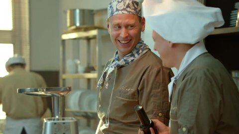 Кухня 5 сезон 20 серия, кадр 21