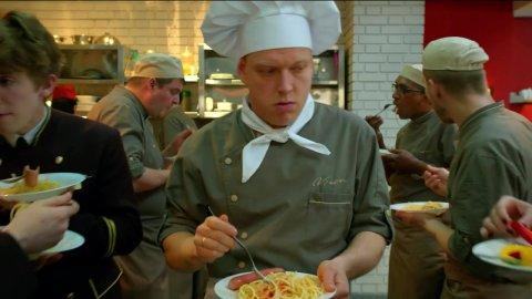 Кухня 5 сезон 9 серия, кадр 9