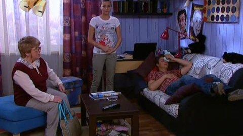 Папины дочки 17 сезон 10 серия, кадр 5