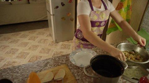 САШАТАНЯ 3 сезон 1 серия, кадр 6