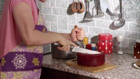 САШАТАНЯ 3 сезон 12 серия, кадр 2