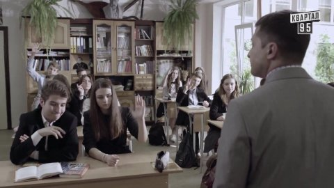 Слуга народа 1 сезон 1 серия, кадр 30