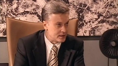 Универ 1 сезон 49 серия, кадр 4