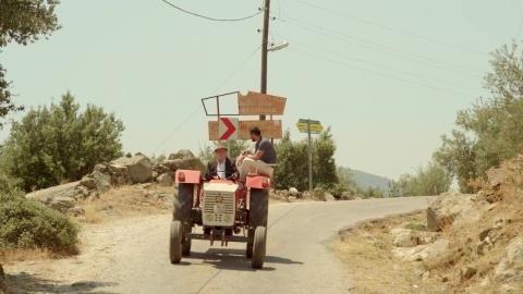 Восток-Запад 1 сезон 11 серия, кадр 2