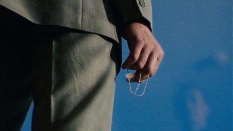 Выжить после 1 сезон 2 серия, кадр 10