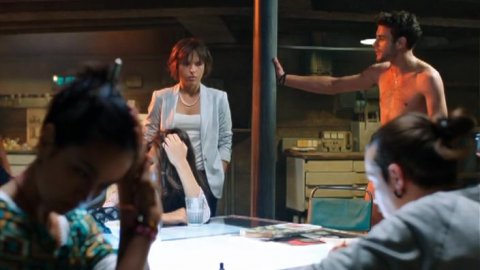 Выжить после 1 сезон 2 серия, кадр 14