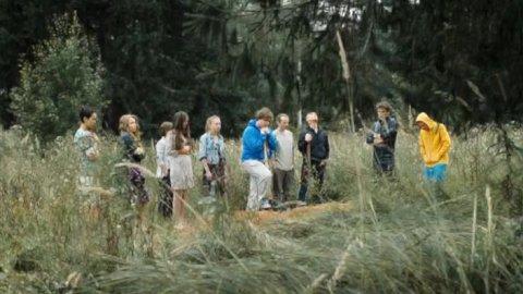 Выжить после 1 сезон 5 серия, кадр 7