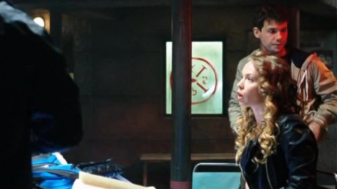 Выжить после 1 сезон 6 серия, кадр 7